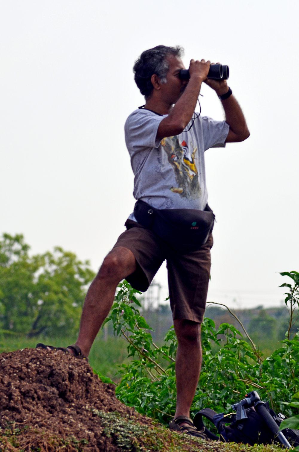 युवराज गुर्जर के अनुसार वाइल्ड लाइफ फ़ोटोग्राफ़ी की तैयारी कम-से-कम छै महीने पहले शुरू हो जाती है