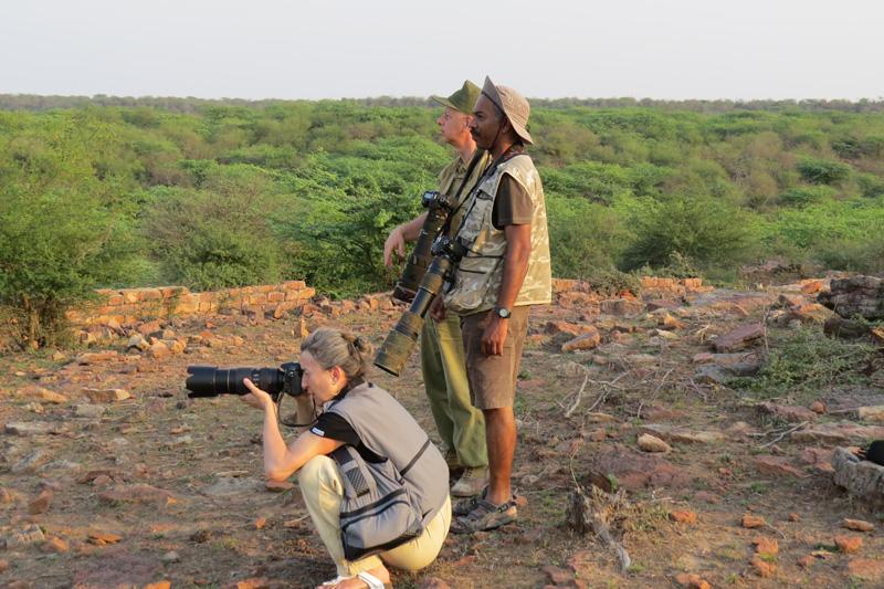 """""""जाने माने फ़ोटोग्राफर भी ग्रुप में फ़ोटोग्राफ़ी करना पसंद करते हैं"""" - युवराज गुर्जर"""