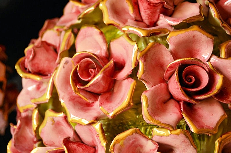SAULE - Gold Roses entirely hand-made and hand-decorated