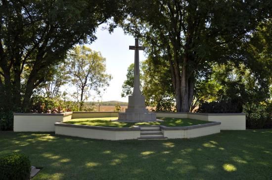 adelaide-river-war-cemetery.jpg