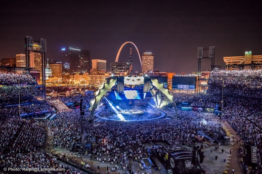 2453_St-Louis_LR_U2360_Photo_Ralph@Larmann_com__L1001071.jpg