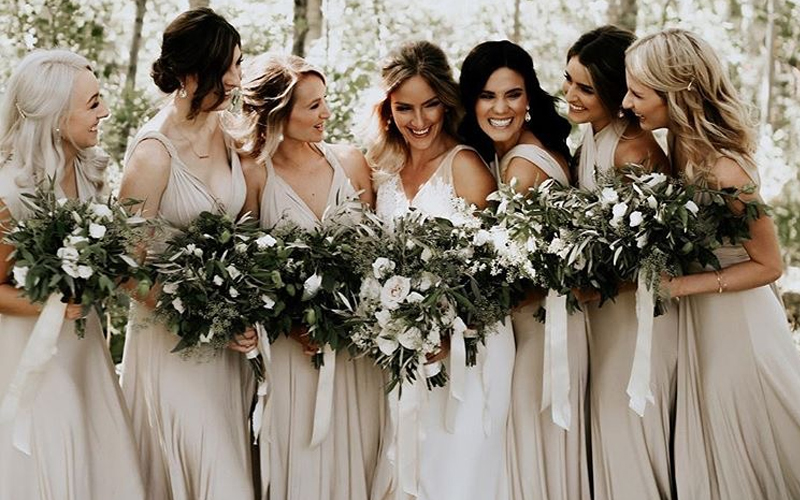 Brautjunfernkleid.jpg