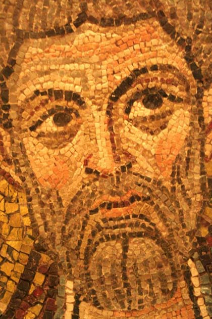 Fragment from the old Ravenna Cathedral. Note how the tesserae follow the form of the face
