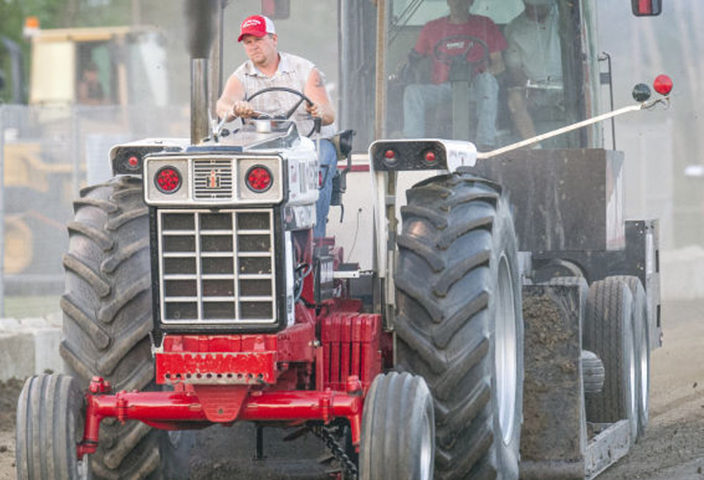 Truck & Tractor Pull -