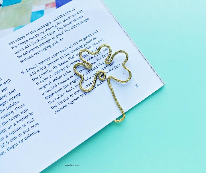 St-Patricks-Day-Art-bookmark-Craft.jpg