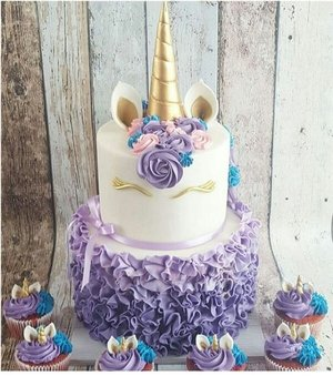 Gold And Lilac Unicorn Cake Cupcakes