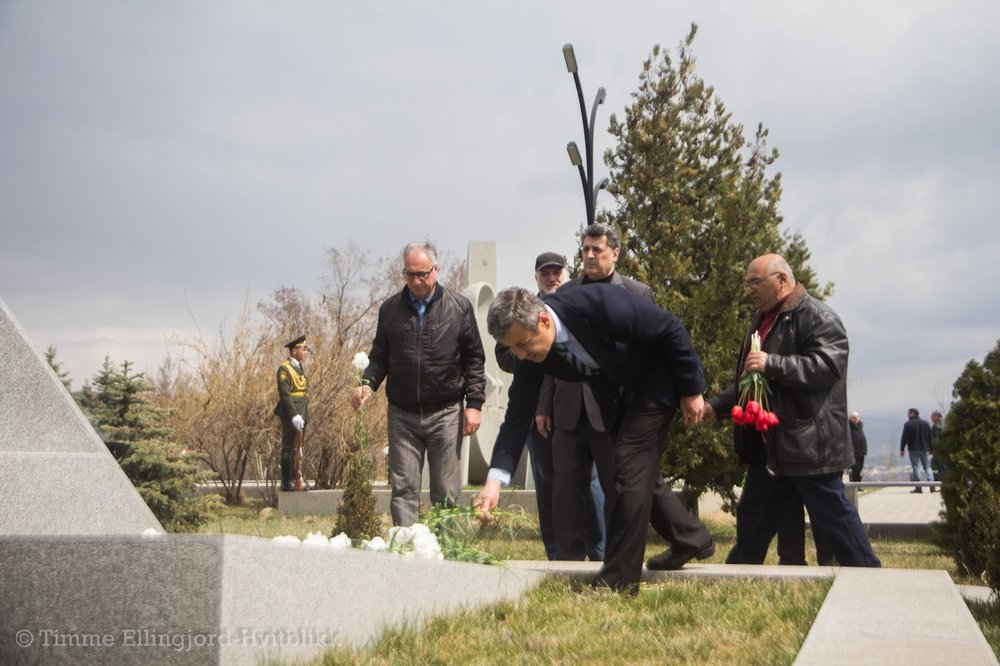 ANC politician Vladimir Karapetyan in a memorial for the Karabakh victims.