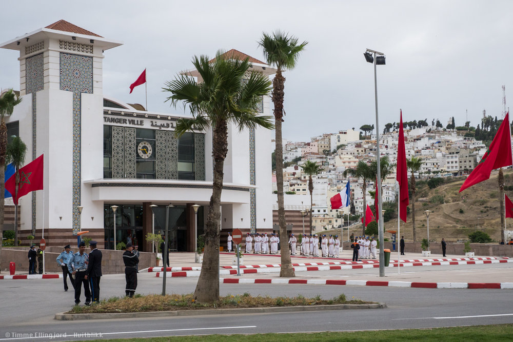 The central train-station in Tangier, just before the arrival of the King and President Hollande.
