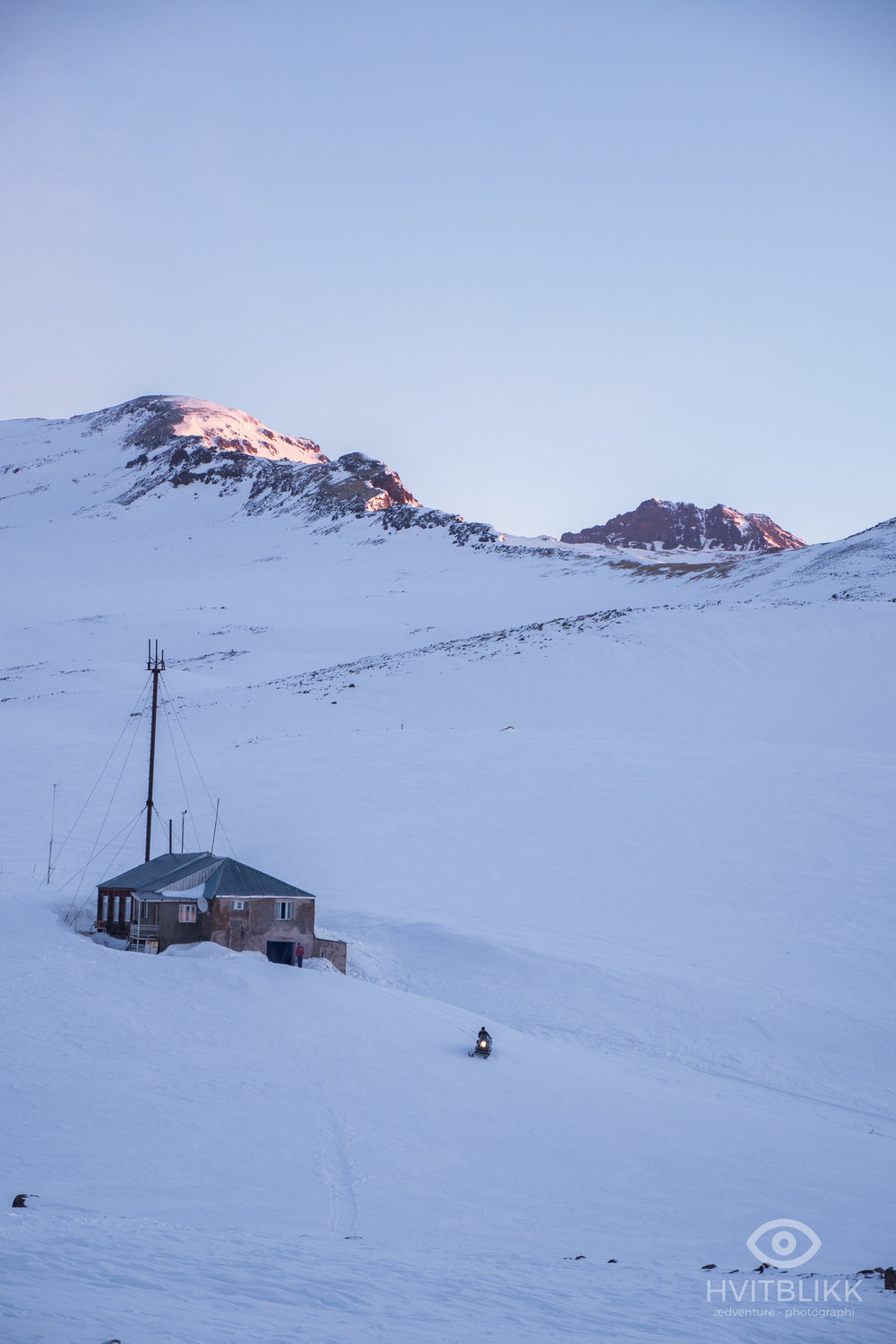 At a height of 3200 meters above see level, just below the top of Armenia's highest mountain, Aragat, there is a metrological station where you could spend the night. The conditions are simple, but it gives greater access to the highest mountain early in the season. Later in the season there is an open roadway up to the station.