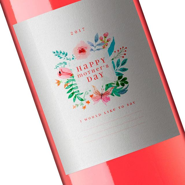 Celebrate your mom this weekend. . . Send us your e-mail and we'll send this FREE wine labbel. . . Just print, cut and paste in any rosé bottle and surprise your mom. No doubt you'll make her happy. . . #MothersDay #ForgetFlowers #MothersDayGifts #GiftsForMom #LoveMom #Mom #packaging #design #packagingdesign #branding #brandingdesign #graphicdesign #bestofpackaging #wine #winelabel #winelovers #winerylovers #chileanwine #chileandesign