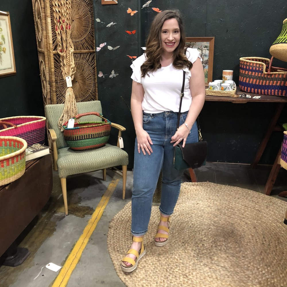 Everything I Wore in Nashville - Nashville Outfit Ideas - Mom Jean Outfit - Mom Jeans Outfit Spring - How to style mom jeans