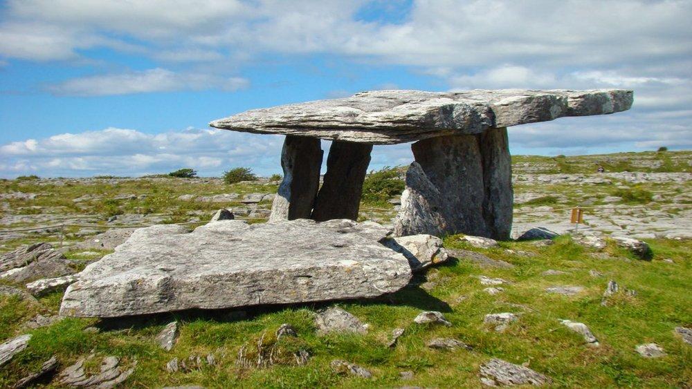 poulnabrone dolmen.jpg