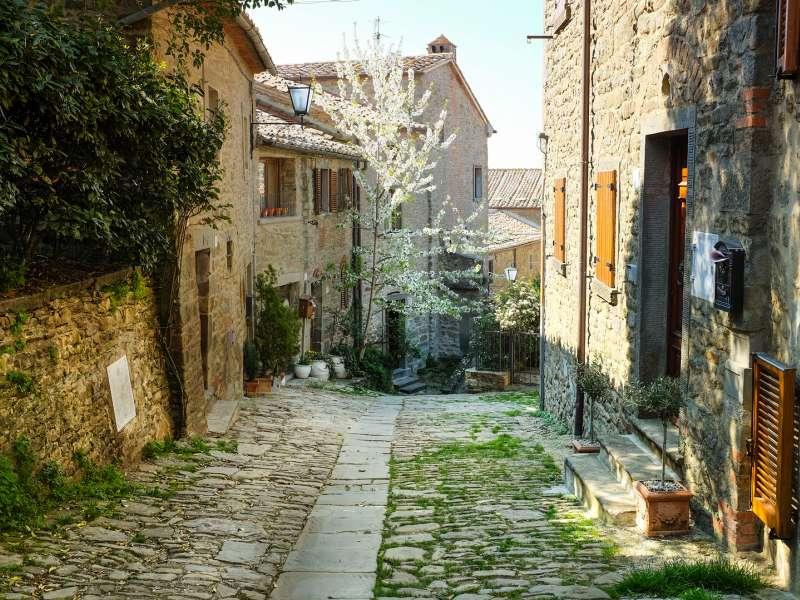bigstock-italian-old-street-tuscany-44991436_1.jpg