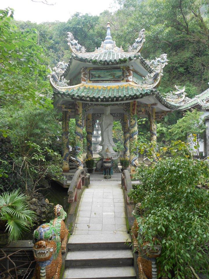 vietnam temple.jpg