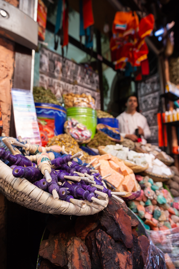 There is no better place than Souk el Attarine to experience all the senses of the city. Here the spice shops open their doors, releasing their fragrances and displaying the vibrant colors of the many spices used for fabric, medicine, and cooking.