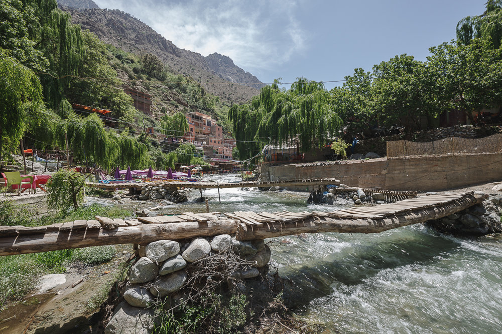 Just outside the city of Marrakech you'll find yourself immersed in the nature of the Ourika Valley. Beautiful landscapes, mountain streams, and colorful rocks abound.