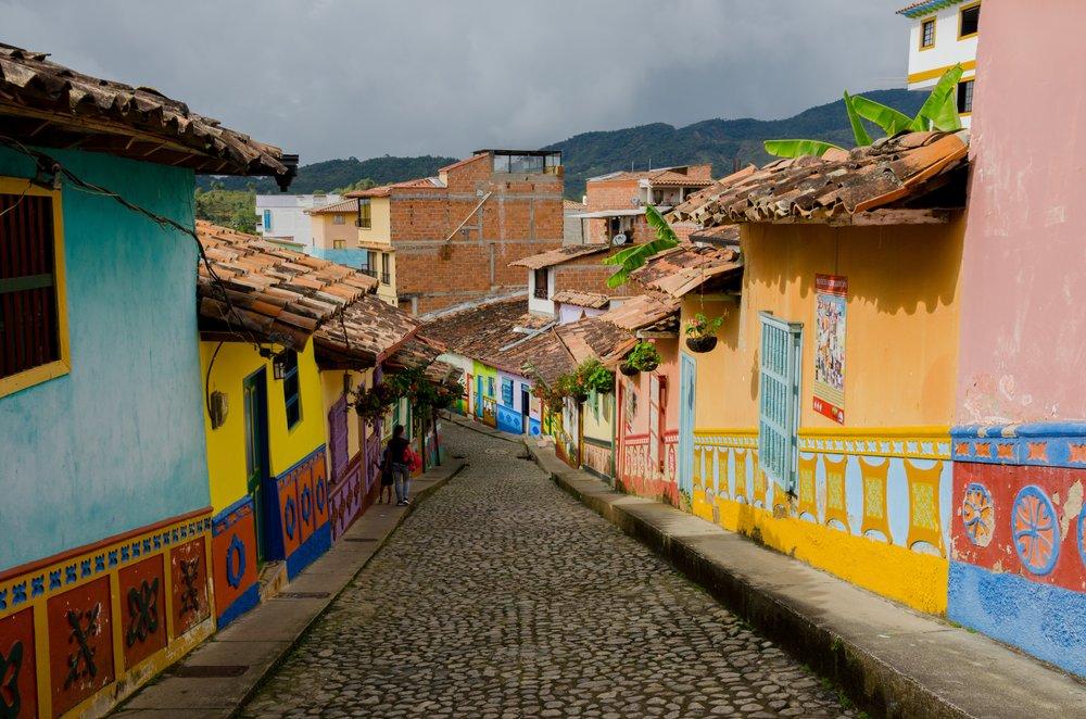 guatapa-via-pixabay.com-en-colombia-guatape-tourism-2410647.jpg