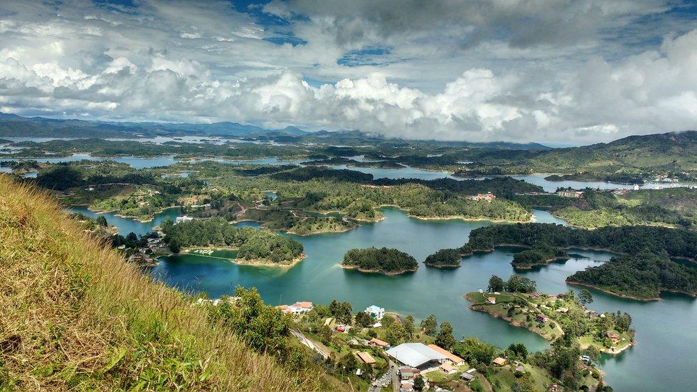 guatape-via-pixabay.com-en-water-nature-panoramic-landscape-3090493.jpg