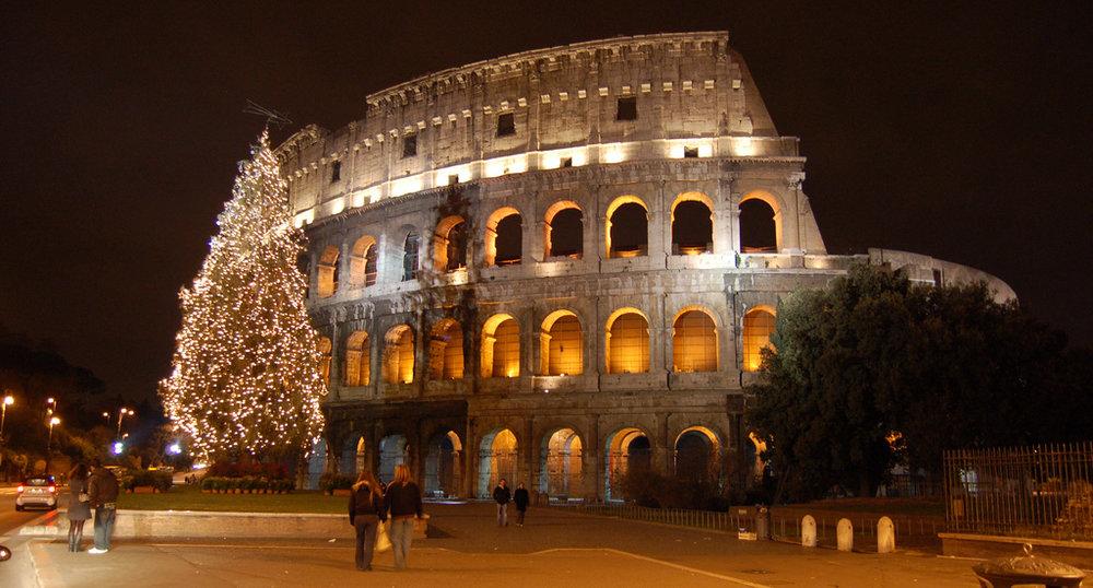 Colosseum Christmas.jpg