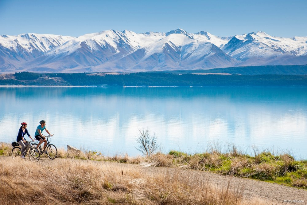 AC42-Alps-2-Ocean-Cycle-Trail-Lake-Pukaki-Canterbury-Miles-Holden.jpg