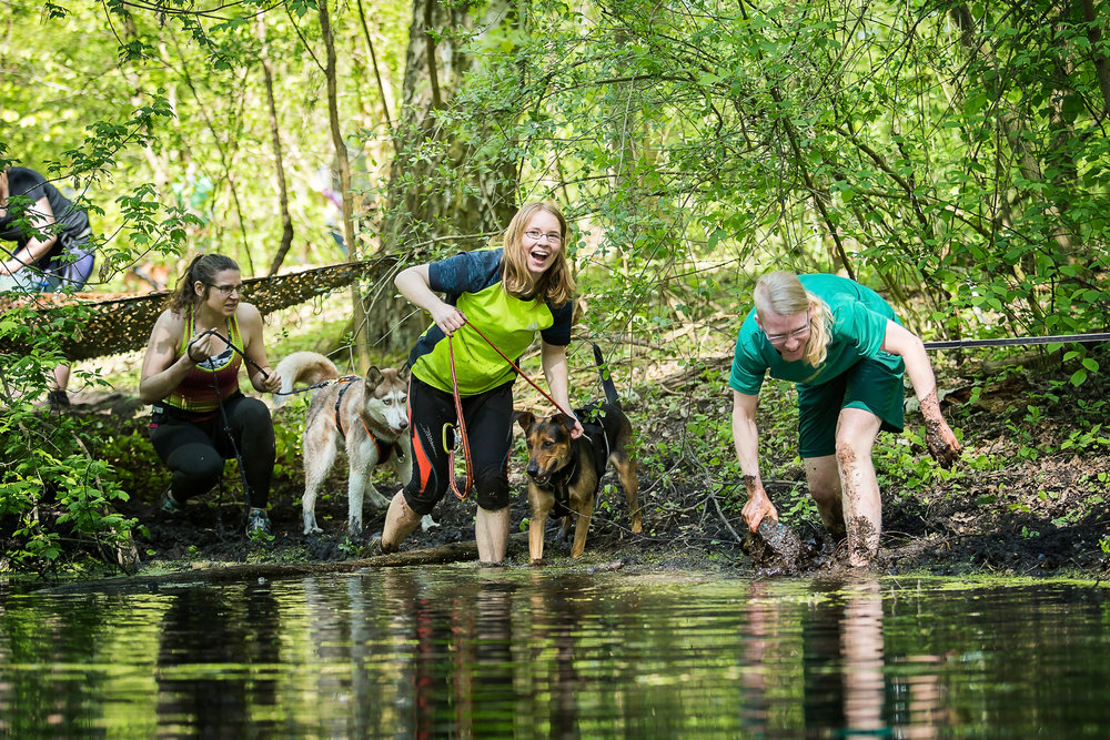 Camp Canis Challenge Schlamm