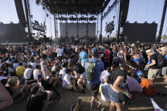 coachella+stage+2013.jpg