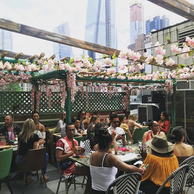 While it's rainy out, here's a reminder on what a sunny day can look like on our Cabana Bar here at Bar Gonzo. All love, all sun 😎☀️#raingoaway #bargonzonyc #sunnyday #cocktails  #beers #brunchnyc #nyceats #nycrooftop #fuckitiloveyou