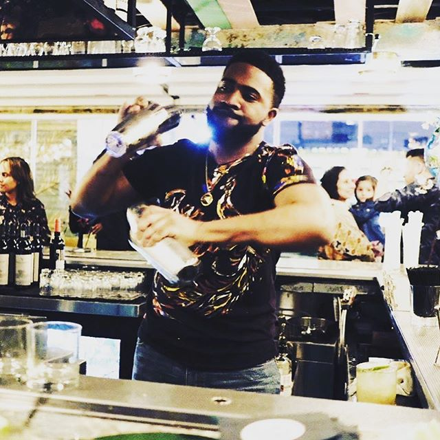 Not always fun to bounce back to work after a holiday 🙄 come cure your work blues with ya at #bargonzonyc with our #happyhour  specials from 4-7PM!! Killer cocktails 🍸 and cheap beer? What can be better? #happyhournyc #nyceats #nycbars #fuckitiloveyou #cocktails #beer #wine #mixology #rooftopnyc #spreadinfeathers #sunset