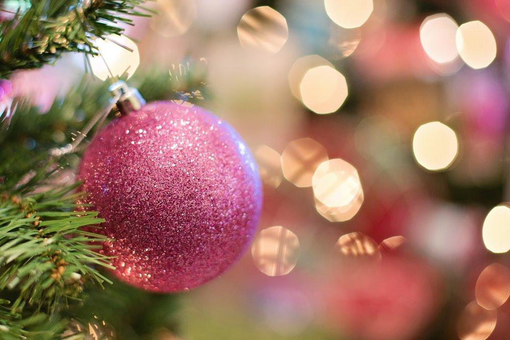christmas-ornament-1823940_1920.jpg