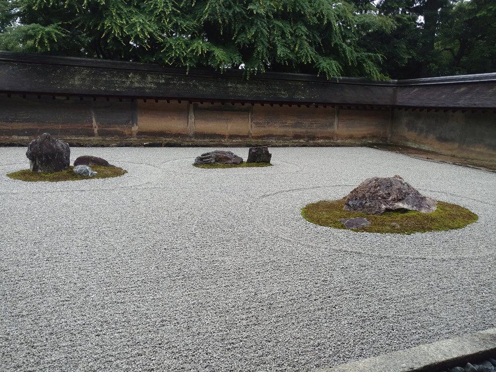 12Ryoan-ji-3.jpg
