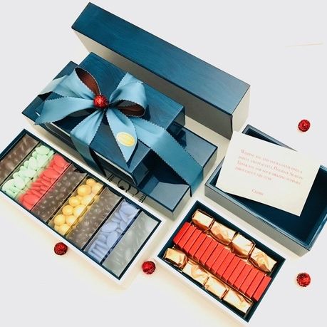 Les Cinq Amandes, Artisanal Chocolates, confections & Gifts