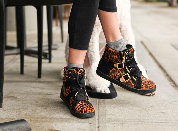 leopard-sneakers