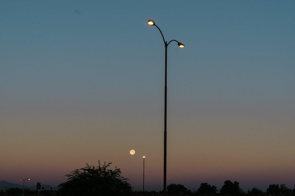 Moonset in Phoenix