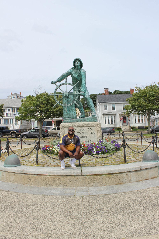 LG Statue Gloucester.jpg