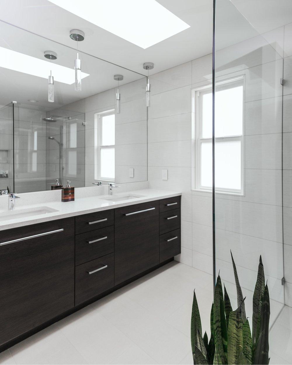 BathroomCorner.jpg