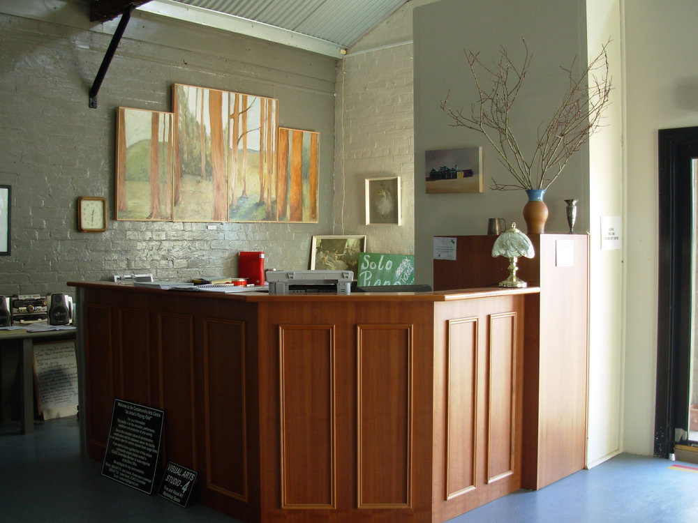 2005:  The Committee raised an additional $40,000 to allow the complete refurbishment of the central carriageway of the building into two large visual arts studio workshop spaces ready for use. These were opened late in the year by the Chairman of the Eastern Riverina Arts Program (ERAP) at the time, Rae Goodlass. Cootamundra Council won the Local Government and Shires Association Award Category C Capital Infrastructure for the visual arts and commercial infrastructure phase of The Arts Centre project.