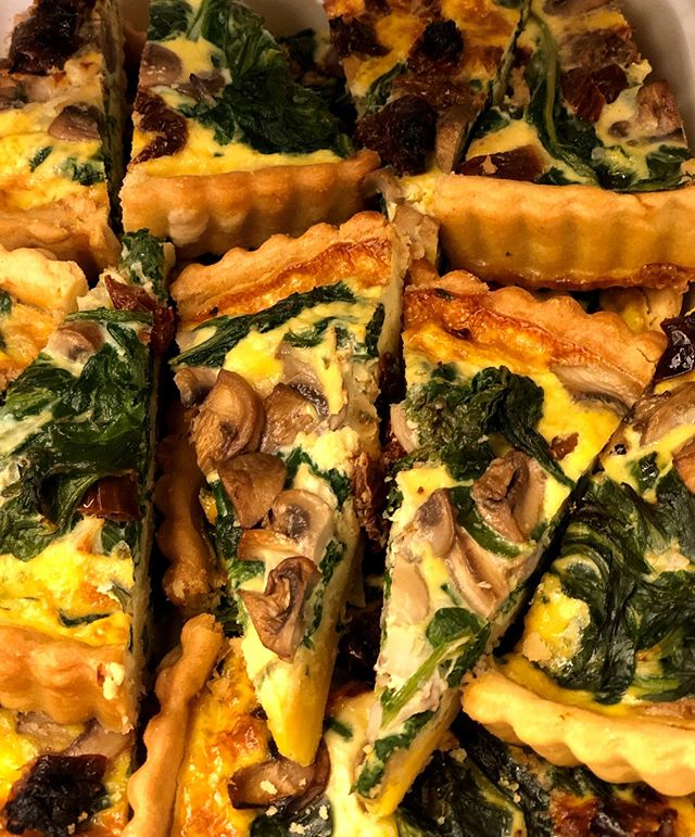 Spinach & Mushroom Quiche with home made pastry. Hmmm!