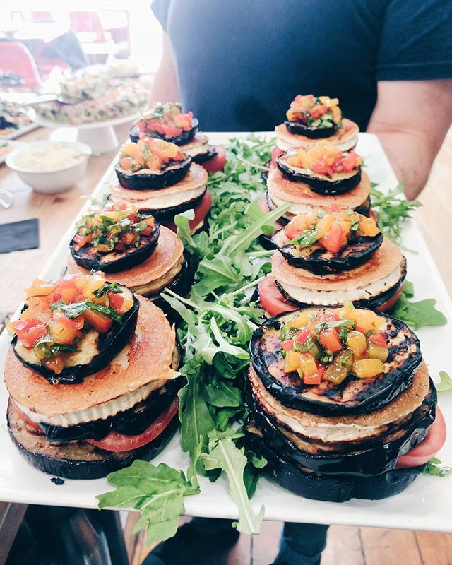 Chef @santosh2043 is at it again over here in Fulham with another beautifully delicious vege stack 🤤 This one even has grilled goats cheese!! Come get 'em while they last (not long). #vegetarian #vegetarianeats #localherofulham #midweektreat #goodforyou #healthconcious #healthyisntboring #specialtycafe #cafeculture #fulham #parsonsgreen #comegetsome #foodies #foodporn #londonfood