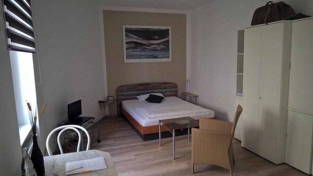 Hotel Halle Appartementhaus Zimmer 6.jpg