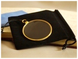 gold monocle without gallery.