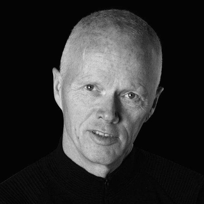 Robert Mood - Lederskap og kriseledelseDrift og omstillingEtiske dilemmaer