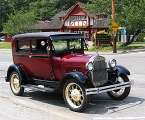 290px-1928_Model_A_Ford