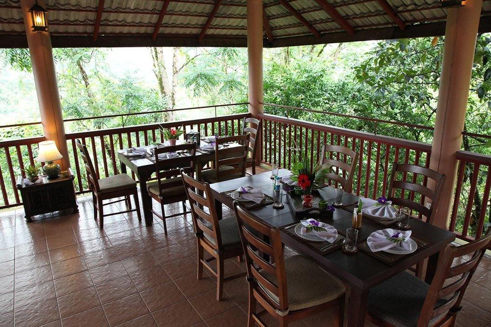 restaurant21.jpg