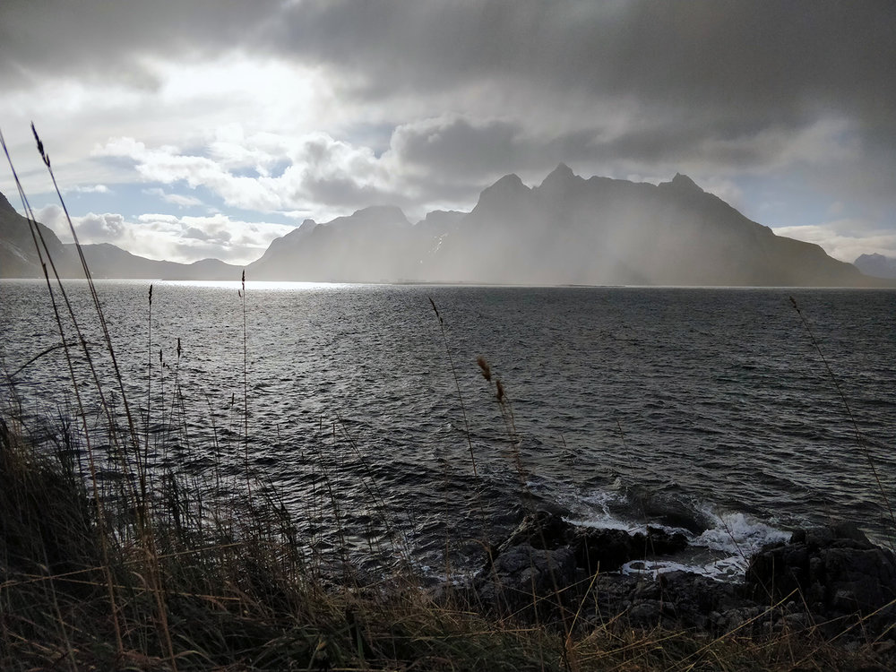 A shower moves part on the other side of the fjord. It was easy to notice the front- and back end of this shower. This image is taken with my phone.