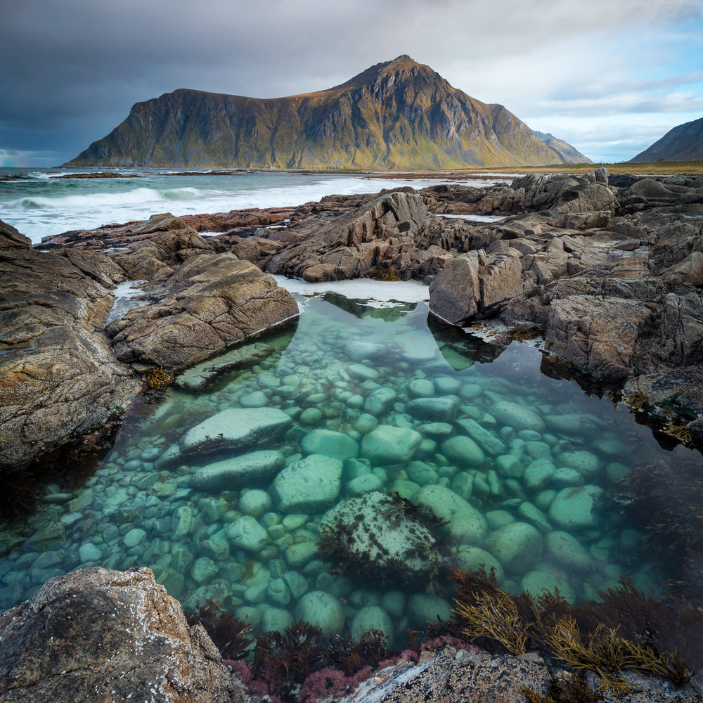 Without the pola, I would not have been able to reveal the amazing details at the bottom of this rockpool. Tamron SP 15-30 f/2.8 @ 15 mm | f/11 | 1/4 sec | ISO 100 with NiSi Landscape CPL + NiSi Medium GND8.