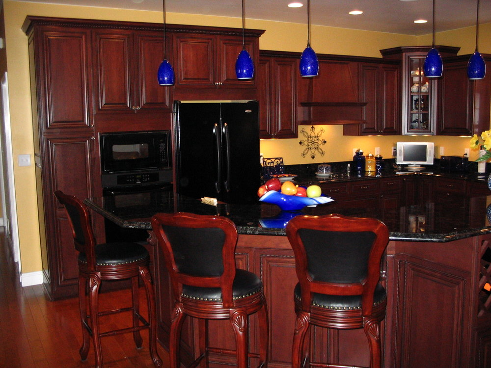 Custom Woodworks Creative Kitchens