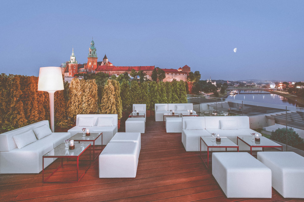 she1477re-174645-Bar on the Roof Top Terrace-High-2.jpg