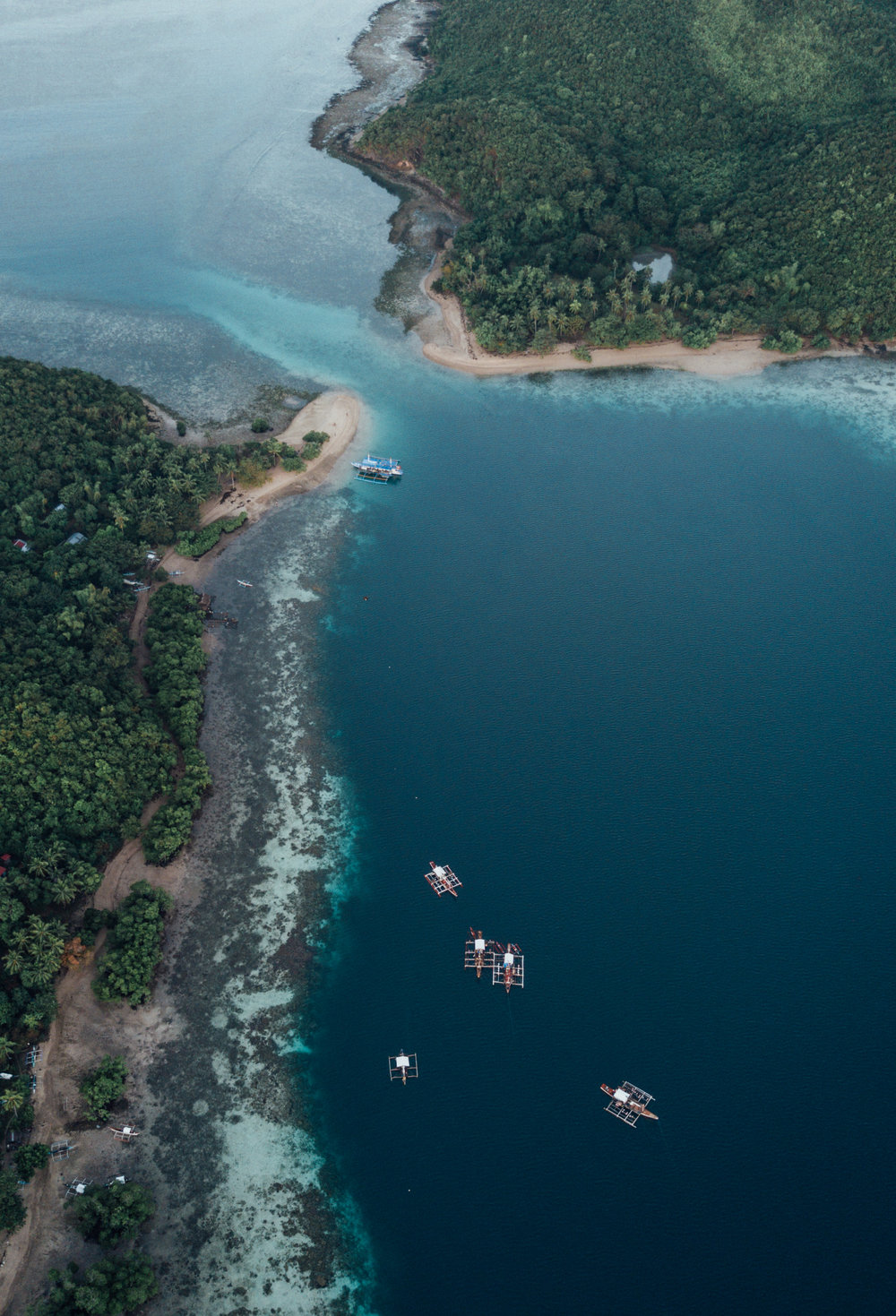 Island Hopping - TAO expedition, Philippies.