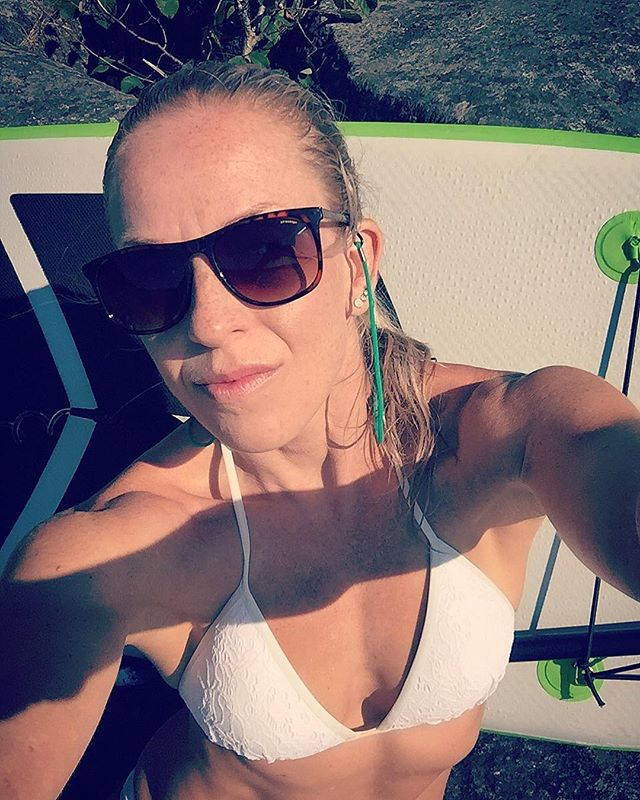 Litt padling og et kveldsbad i Farris er sånn cirka helt innafor..🏄🏼♀️🌲🦅🔝 #husmorferie #sup #vacay #metime #summervibes #surfsup #paddleboard #surfergirl #suplifestyle #utetrening #liveterbestute #utno #visitnorway #aktivejenter #sprekejenter #sprekhverdag #treningsglede #styrketrening #kk #kamillepuls #bemorehuman #larvik #stavern