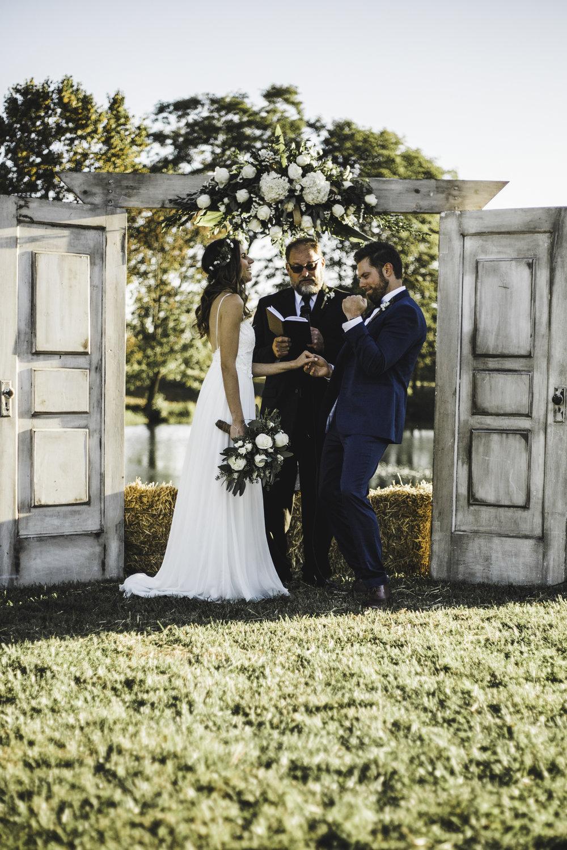 adventuRE / INTIMATE weDDINGS -